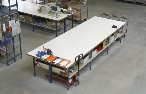 tube50-long-span-shelving-packing-table