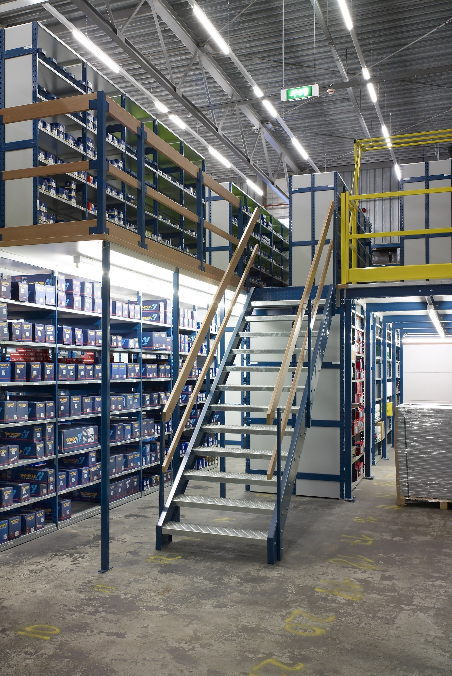 Mezzanine floor system europe racking for How to build a mezzanine floor in your home