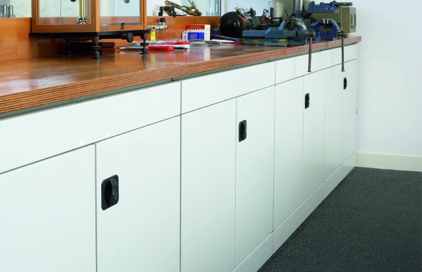 workbench-multisystem-shelving-locking-doors